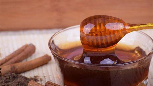 蜂蜜とシナモンロール。コーヒに入れると美味しくてヘルシー